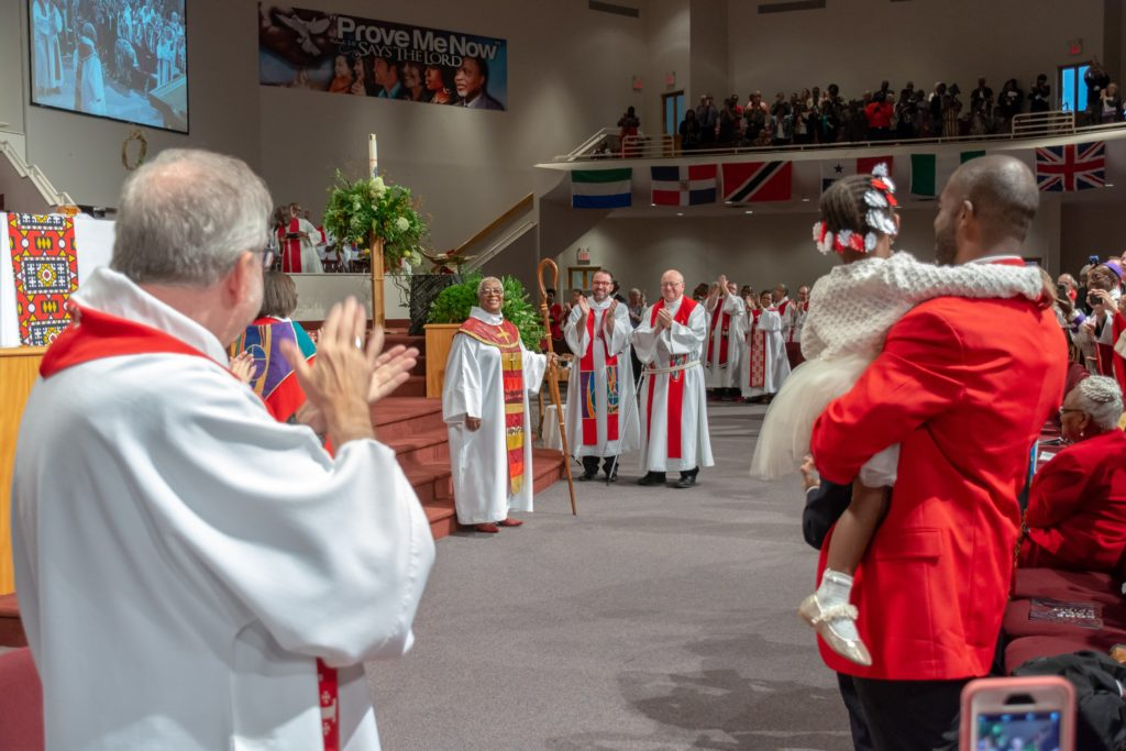 Acclaiming the bishop